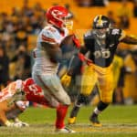 Kansas City Chiefs running back Spencer Ware (32) makes a run on the outside for a marginal gainduring the second half.